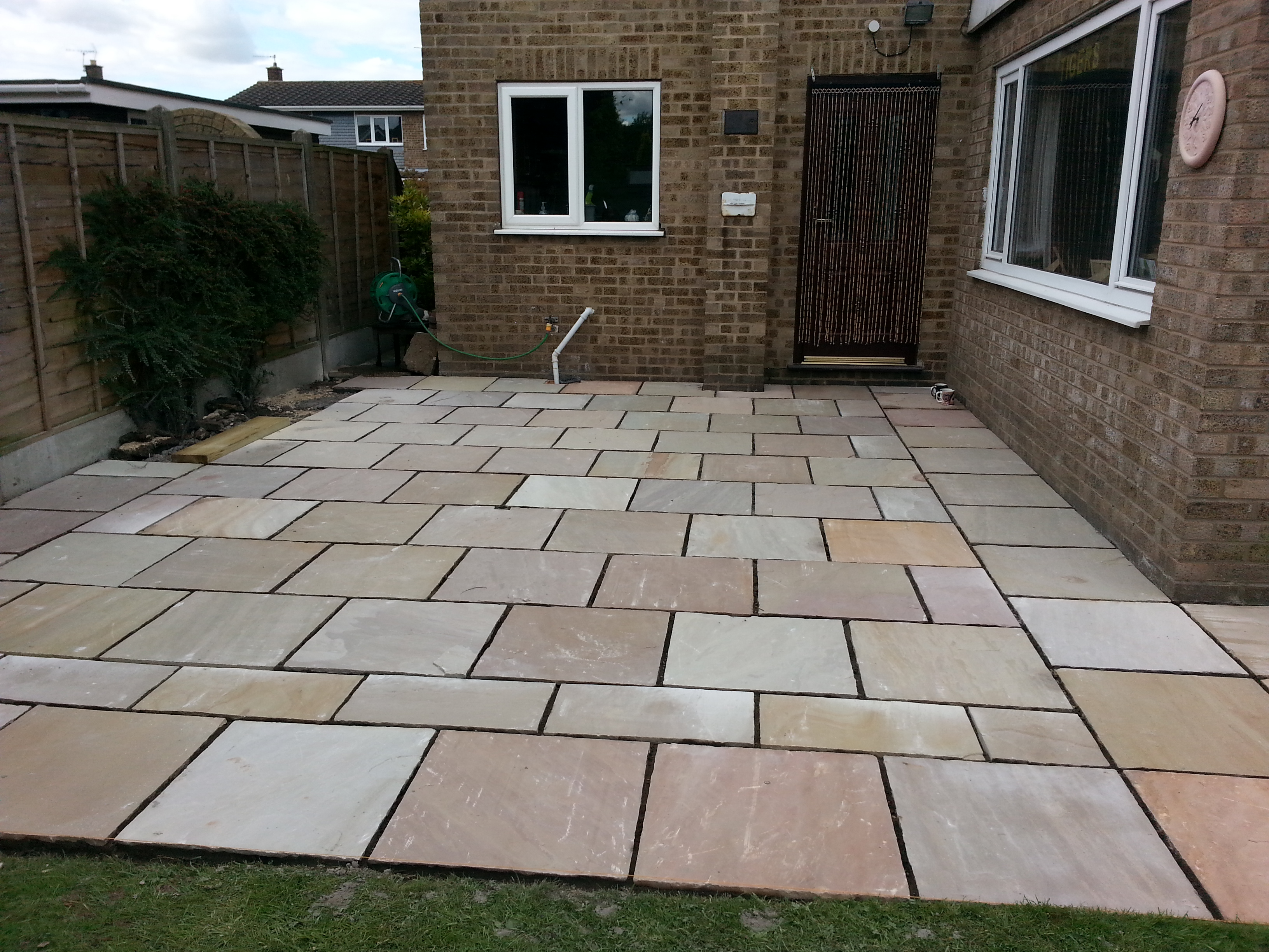 Indian stone patio pictures modern patio outdoor for Exterior design specialists